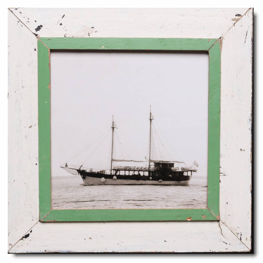 Quadrat Bilderrahmen aus recyceltem Holz von Luna Designs | Cape Times