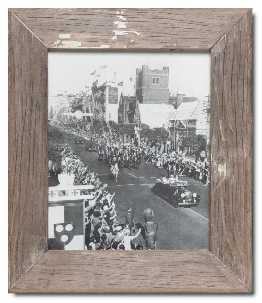 Basic Bilderrahmen aus recyceltem Holz für Bildformat 20 x 25 cm