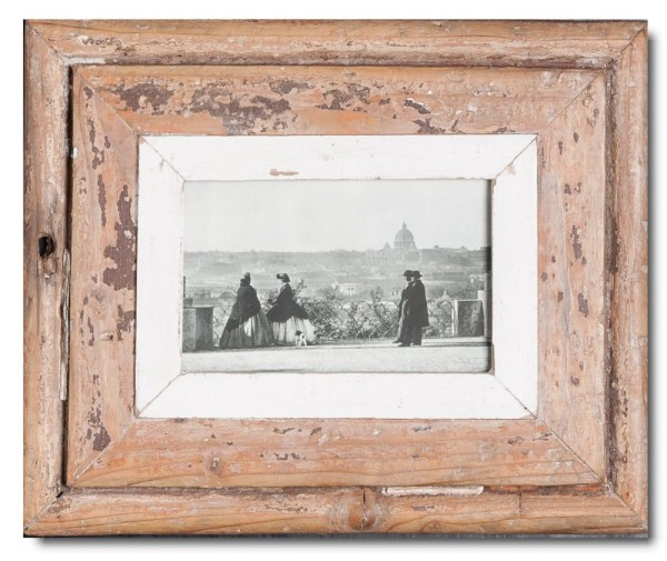 Bilderrahmen aus recyceltem Holz für Fotoformat DIN A6 aus Südafrika
